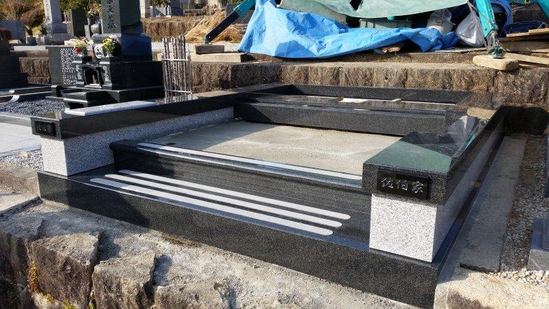 デザイン墓石の外柵完成