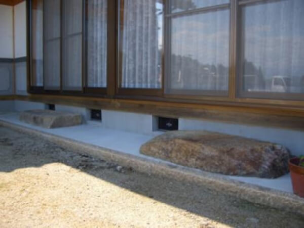 岐阜県中津川市 雨垂れ石_メイン画像
